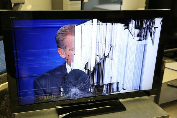 телевизор упал